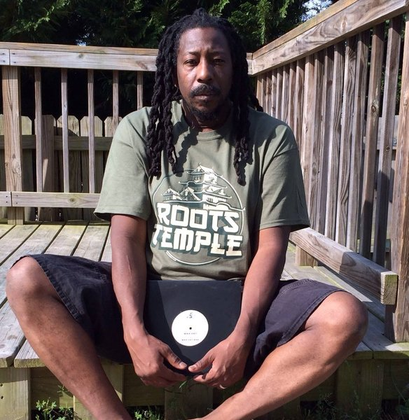 Mr Carl Meeks sporting a Roots Temple military style, big up sir!\\n\\n08/05/2015 11:05