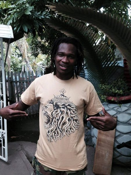 Prince Kumah Fyah from Raging Fyah flashing in JA\\n\\n25/05/2015 11:31