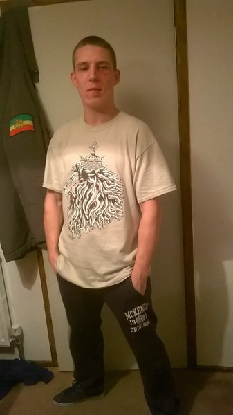 Singer Tempa flashing our Lion of Judah print.\\n\\n12/02/2015 09:57